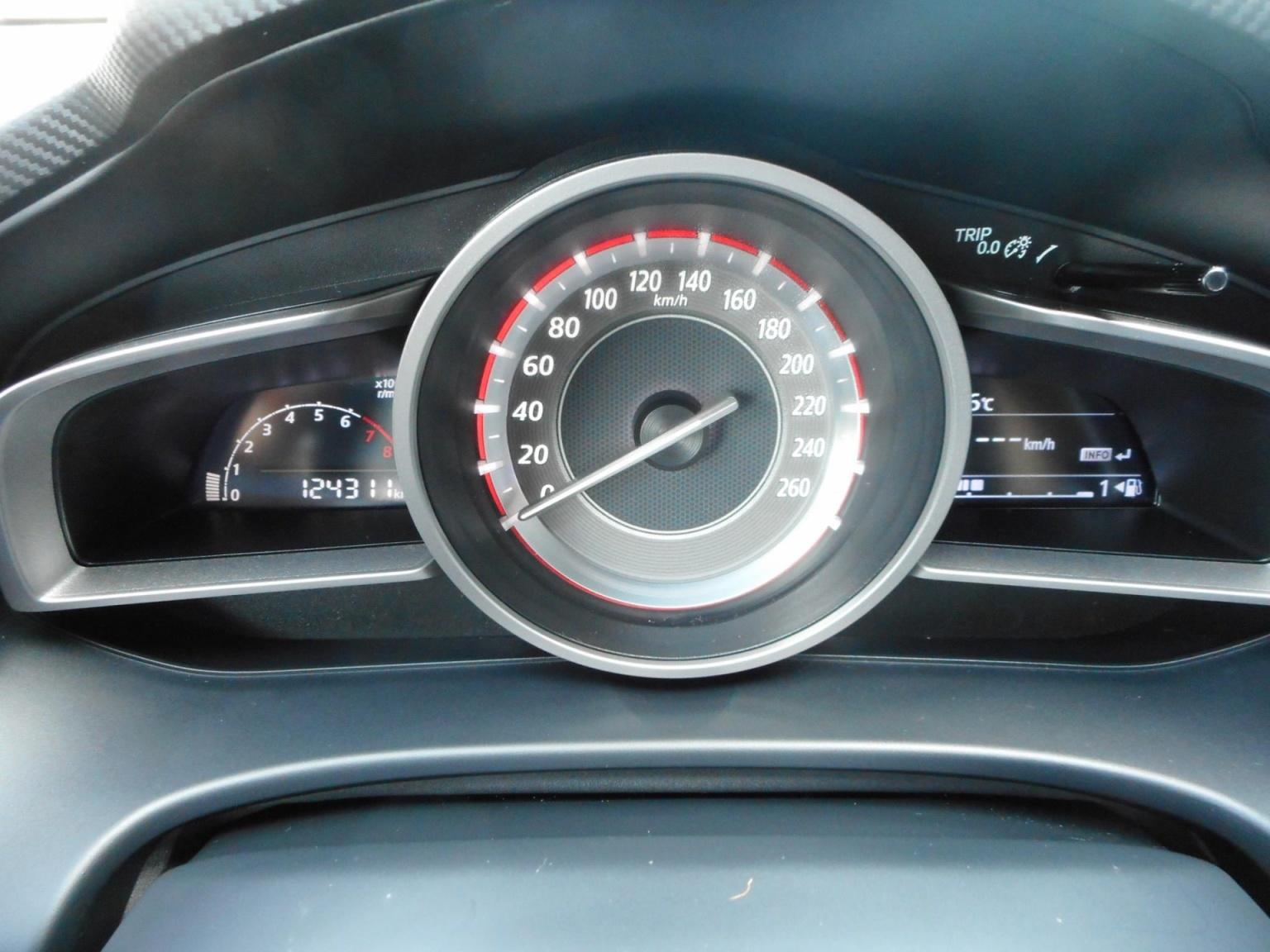 Mazda-3-9